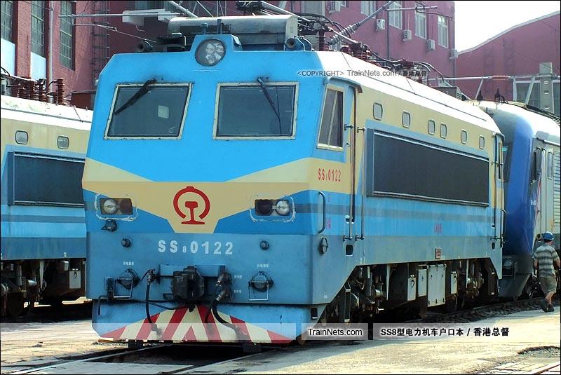 2015年7月14日。北京东机务段。SS8-0122。(图/香港总督)