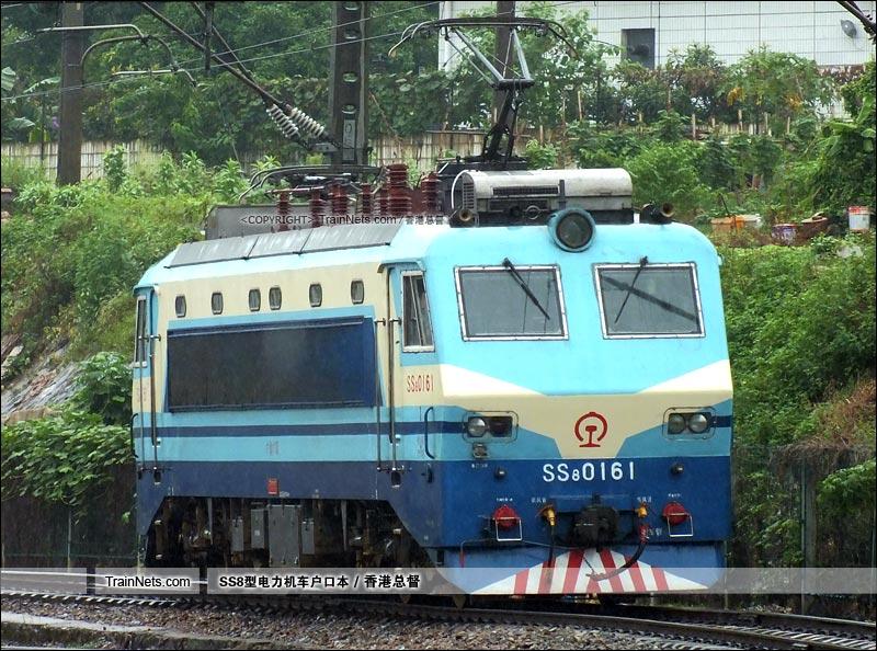 2015年8月31日。广州机务段。SS8-0161。(图/香港总督)