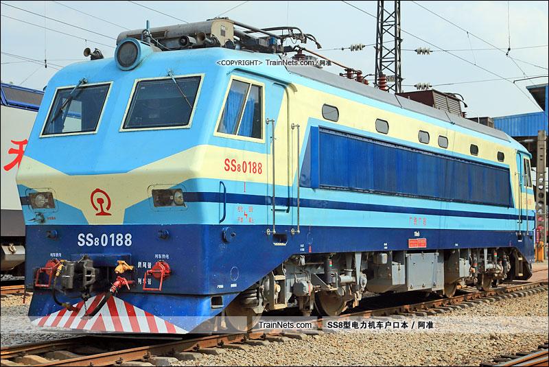 2016年9月22日。广州机务段。SS8-0188。(图/阿准)