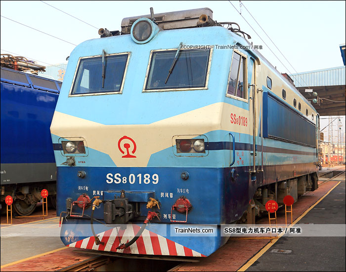 2015年10月8日。广州机务段。SS8-0189。(图/阿准)