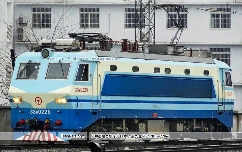 2013年02月05日。武昌站。SS8-0225。(图/武九北环K17Km+770m)