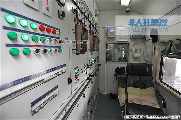 空调自动开关机_非人狂想屋 | 你的火车发源地 » KD25Z型准高速空调发电车(广深)
