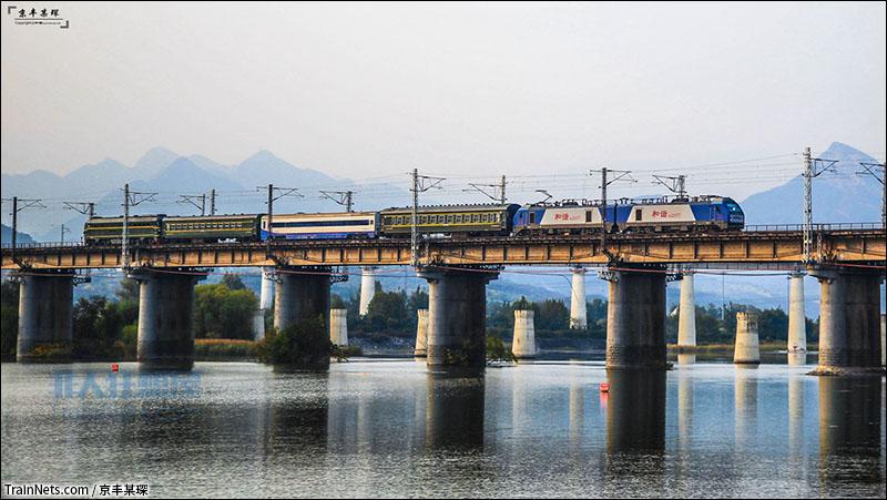 大桥的一日十次_非人狂想屋 | 你的火车发源地 » 驶过丰沙一号桥的55002次检测车