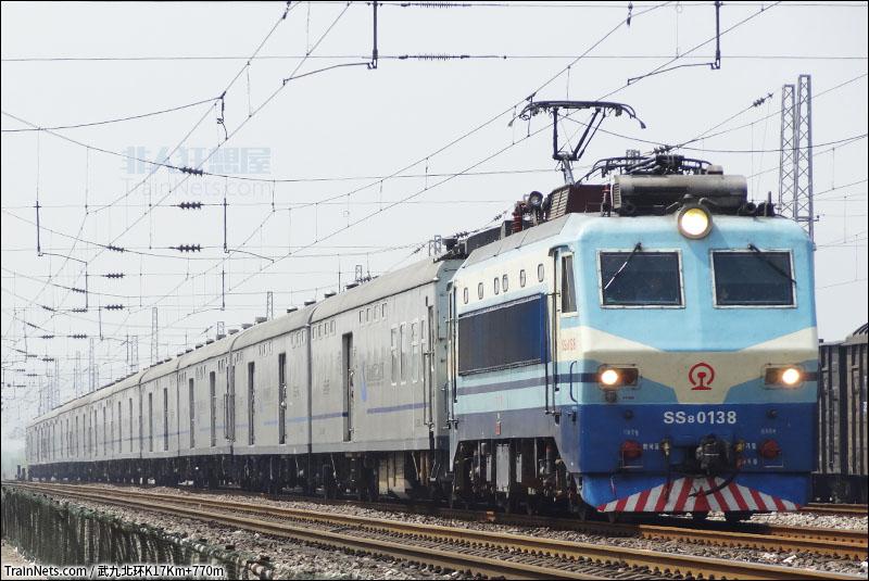 京广铁路火车视频_非人狂想屋 | 你的火车发源地 » X104次通过京广小站